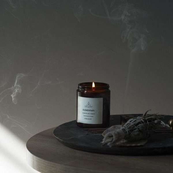Elementary Scented Candle - Tobacco, Amber, Leather - Earl of East London